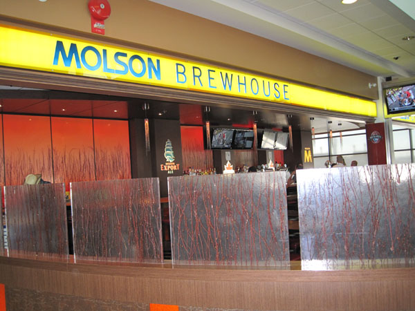 Molsons Brewhouse Pub favorites and a portfolio of world-class beers